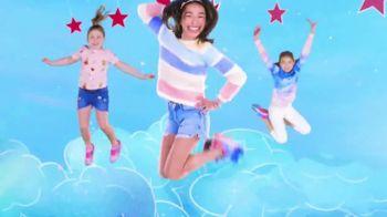 SKECHERS Skech-Air TV Spot, 'A World of Bouncing Fun' - Thumbnail 4