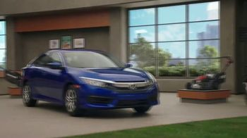 Honda Dream Garage Spring Event TV Spot, 'Sport Mode' [T2] Ft. James Hinchcliffe - Thumbnail 4