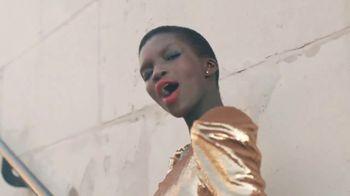 Revlon Super Lustrous Lipstick TV Spot, 'Ser audaz' [Spanish] - Thumbnail 5