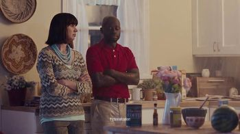 State Farm TV Spot, 'Awkward Photo' - Thumbnail 5