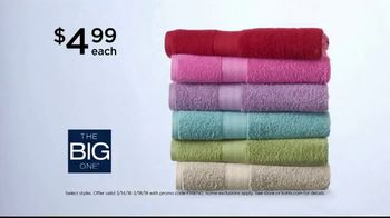 Kohl's Super Saturday Sale TV Spot, 'Tops, Shoes and Towels' - Thumbnail 6