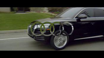 2018 Audi Q5 TV Spot, 'Jogger' [T1] - Thumbnail 9