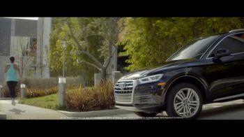 2018 Audi Q5 TV Spot, 'Jogger' [T1] - Thumbnail 5
