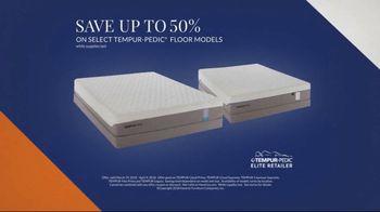 Havertys Tempur-Pedic Floor Model Closeout TV Spot, 'Find Incredible Deals' - Thumbnail 2