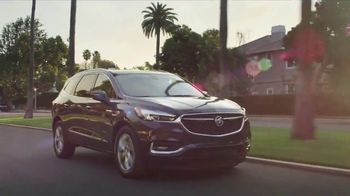 2018 Buick Enclave TV Spot, 'March Madness: Busy Week' Song by Matt and Kim [T2] - Thumbnail 6