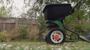 Lowe's Spring Black Friday TV Spot, 'The Moment: Pennington Fertilizer' - Thumbnail 8