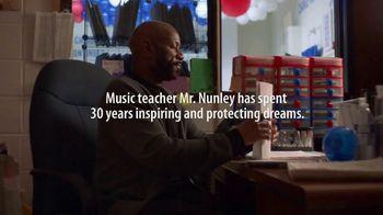 American Family Insurance TV Spot, 'Class Reunion' Feat. Jennifer Hudson - Thumbnail 1