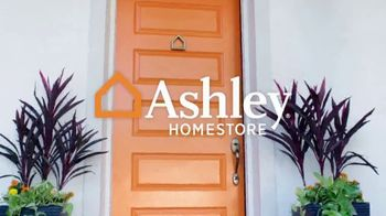 Ashley HomeStore Outdoor Collection TV Spot, 'Ready for Summer?' - Thumbnail 1