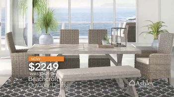 Ashley HomeStore Outdoor Collection TV Spot, 'Ready for Summer?' - Thumbnail 4