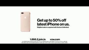 Verizon Unlimited TV Spot, 'Airport: 50 Percent Off Latest iPhone' - Thumbnail 10