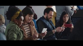 Verizon Unlimited TV Spot, 'Airport: 50 Percent Off Latest iPhone'