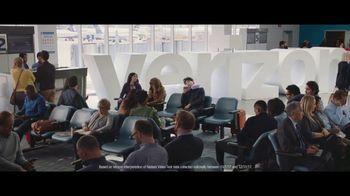 Verizon Unlimited TV Spot, 'Airport: 50 Percent Off Latest iPhone' - Thumbnail 4