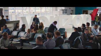 Verizon Unlimited TV Spot, 'Airport: 50 Percent Off Latest iPhone' - Thumbnail 8