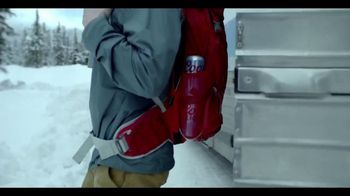 Coors Light TV Spot, 'Refresh for What's Next' [Spanish] - Thumbnail 7