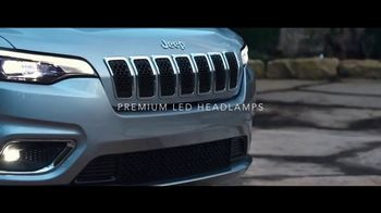 2019 Jeep Cherokee TV Spot, 'World Comes With It: Captivating' [T1] - Thumbnail 4