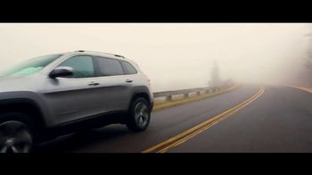 2019 Jeep Cherokee TV Spot, 'World Comes With It: Captivating' [T1] - Thumbnail 8