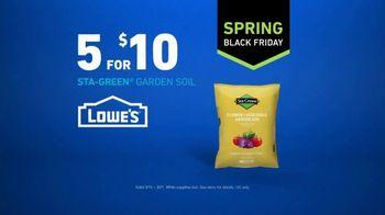 Lowe's Spring Black Friday TV Spot, 'The Moment: Sta-Green Garden Soil' - Thumbnail 6