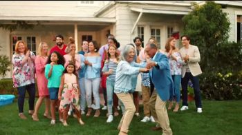 JCPenney TV Spot, 'Una gran familia' [Spanish] - Thumbnail 10
