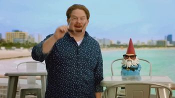 Travelocity TV Spot, 'Call of My Stomach' Featuring Casey Webb - Thumbnail 9