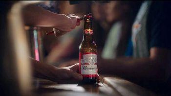 Budweiser TV Spot, 'Fanáticos del baloncesto' [Spanish] - Thumbnail 1