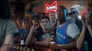 Budweiser TV Spot, 'Fanáticos del baloncesto' [Spanish] - Thumbnail 2