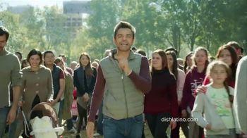 DishLATINO TV Spot, 'Multitud' con Eugenio Derbez [Spanish] - Thumbnail 7