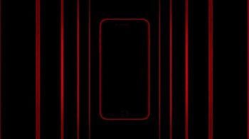 Apple iPhone 8 (PRODUCT)RED TV Spot, 'Red' Song by Sofi Tukker - Thumbnail 8