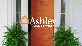 Ashley HomeStore TV Spot, 'New, Now and Wow: Hot Buy' - Thumbnail 1