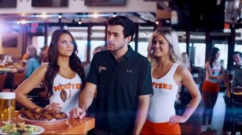 Hooters Snozzberry Sauce TV Spot, 'Coming 4.20' Featuring Chase Elliott - Thumbnail 3