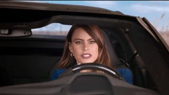 Rooms to Go TV Spot, 'Road Trip' Feat. Sofia Vergara, Cindy Crawford - Thumbnail 5