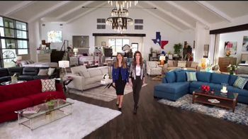 Rooms to Go TV Spot, 'Road Trip' Feat. Sofia Vergara, Cindy Crawford - Thumbnail 9