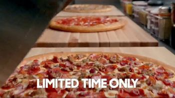 Pizza Hut 50 Percent Off Menu-Priced Pizzas TV Spot, 'Don't Miss Out' - Thumbnail 3