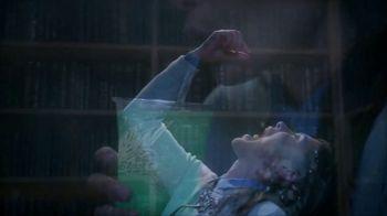 Taco Bell $5 Chalupa Cravings Box TV Spot, 'The Librarian' - Thumbnail 7