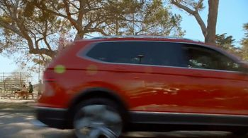 Volkswagen Smile It's Spring Sales Event TV Spot, 'Can't Help but Smile' [T2] - Thumbnail 1