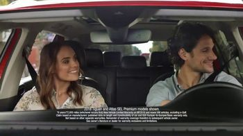 Volkswagen Smile It's Spring Sales Event TV Spot, 'Can't Help but Smile' [T2]