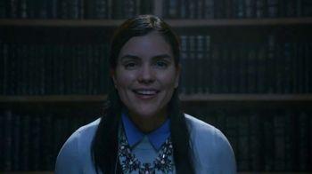 Taco Bell $5 Chalupa Cravings Box TV Spot, 'La bibliotecaria' [Spanish] - Thumbnail 8