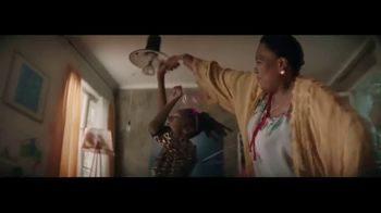 Rust-Oleum TV Spot, 'Spray New Life Into Your Next Project' - Thumbnail 6
