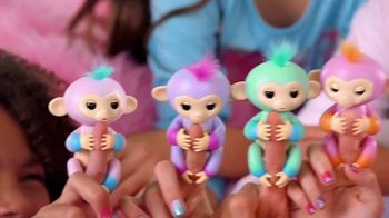 Fingerlings 2Tone TV Spot, 'Super Colorful and Super Silly' - Thumbnail 4
