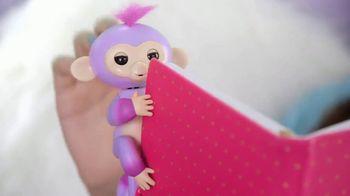 Fingerlings 2Tone TV Spot, 'Super Colorful and Super Silly' - Thumbnail 6