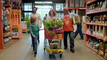 The Home Depot Spring Black Friday TV Spot, 'Garden Soil and Mulch' - Thumbnail 2