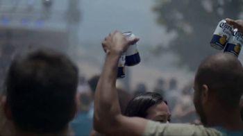 Corona Extra TV Spot, 'Corona Cans' - Thumbnail 4