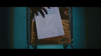 Eyeconic TV Spot, 'Behind the Scenes' - Thumbnail 5