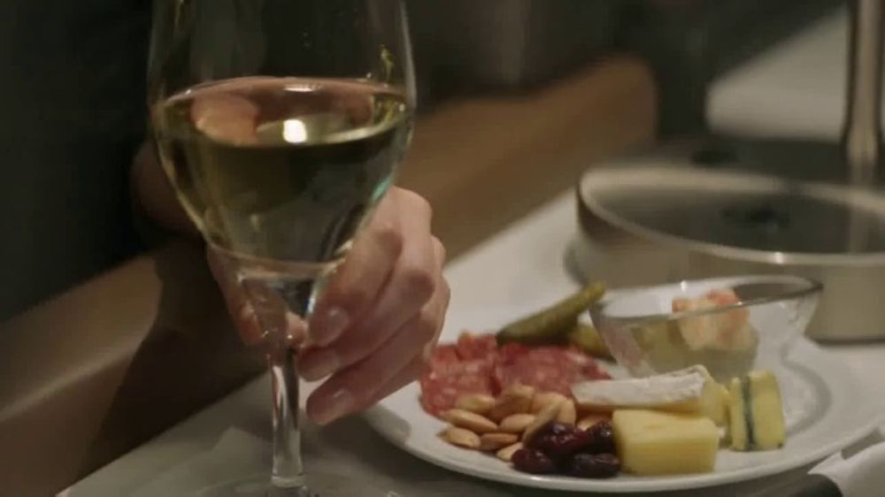 American Airlines Flagship Business TV Commercial, 'Tailored to You'