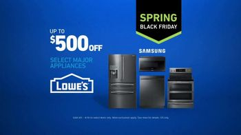 Lowe's Spring Black Friday TV Spot, 'Not Enough Oven: Appliances' - Thumbnail 9