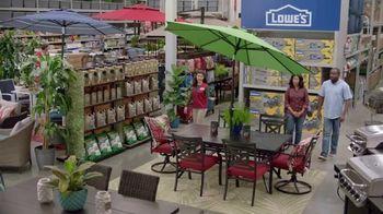 Lowe's Spring Black Friday TV Spot, 'Good Backyard: Advantage Card' - Thumbnail 4