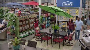 Lowe's Spring Black Friday TV Spot, 'Good Backyard: Advantage Card' - Thumbnail 5