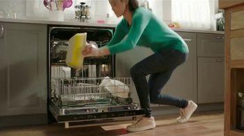 Cascade Platinum TV Spot, 'No lave antes del lavaplatos' [Spanish] - Thumbnail 3
