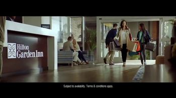 Hilton Hotels Worldwide TV Spot, 'Summer Getaway' - Thumbnail 8