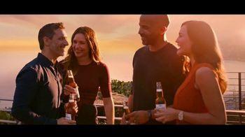 Corona Premier TV Spot, 'El balcón' canción de King Floyd [Spanish] - Thumbnail 8