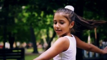 Comcast Cares Day TV Spot, 'Make the World Beautiful' - Thumbnail 1